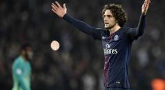 Adrien Rabiot en juego con el PSG