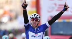 El colombiano Alvaro Hodeg celebra su victoria en la tercera etapa del Tour de Polonia
