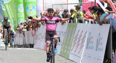 Sergio Higuita del equipo Manzana-Postobóncomo ganador de la etapa.