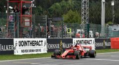 Sebastian Vettel cruzando la meta en el Gran Premio de Bélgica de Fórmula 1