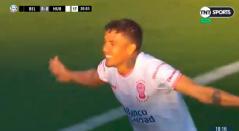 Andrés Felipe Roa celebrando el gol de Huracán ante Belgrano