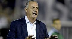 Gustavo Alfaro, técnico argentino