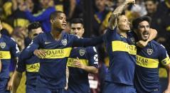 Wilmar Barrios celebrando con sus compañeros de Boca Juniors