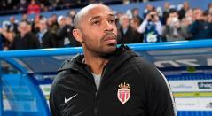 Thierry Henry en su partido de debut como técnico del Mónaco