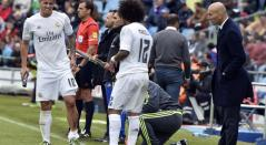 James, Marcelo y Zidane en un partido del Real Madrid
