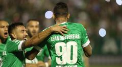 Chapecoense celebrando el segundo gol ate Sport Recife