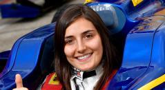 Tatiana Calderón, la primera piloto latinoamericana en manejar un auto de Fórmula 1