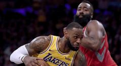 Harden se exhibe ante James con un triple-doble y 50 puntos