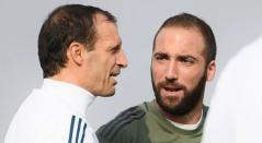 Massimiliano Allegri y Gonzalo Higuaín