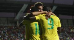 Jugadores de Brasil celebrando un gol