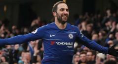Gonzalo Higuaín celebrando el primer gol con el Chelsea en la Premier League