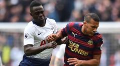Dávinson Sánchez fue titular con el Tottenham ante Newcastle.