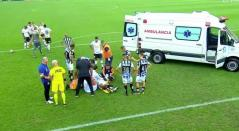 Felipe Aguilar, desmayado tras un golpe en la cabeza