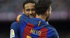 Neymar se funde en un abrazo con Messi