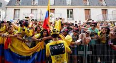 Tour de Francia - Egan Bernal, paseo por Los Campos Elíseos