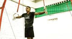 Se trata del gimnasta Cristian Gómez, quien sufrió una caída durante los entrenamientos.