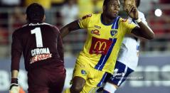 Yustin Arboleda, delantero colombiano en Honduras
