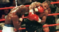 Holyfield y Tyson, en la pelea de 1997