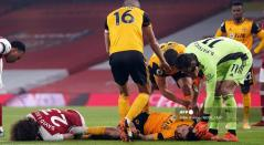 Choque de David Luiz y Raul Jiménez