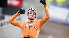 Mathieu van der Poel se proclamó campeón del mundo de ciclocrós