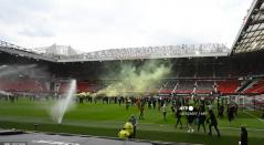 Hinchas Manchester United invaden Old Trafford