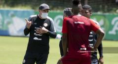 Luis Ferando Suárez, Costa Rica