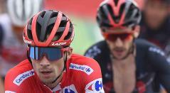 Adam Yates detrás de Roglic, en la Vuelta a España