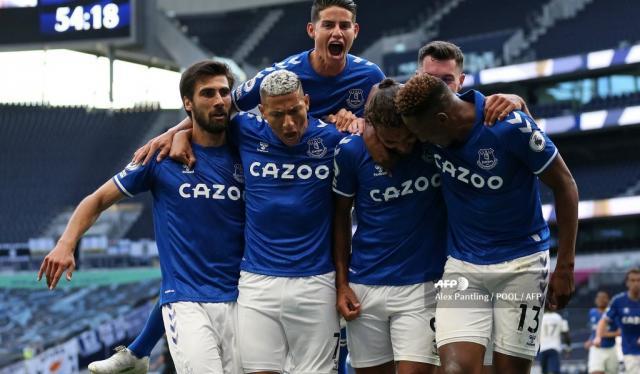 Everton 2020 - James y Yerry Mina